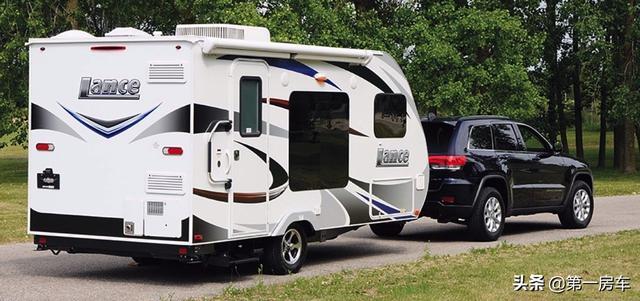 您的第一辆房车选购指南:B型C型以及拖挂房车,各有优缺点!-3.jpg