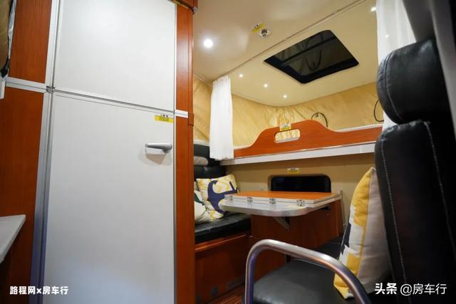 可下地库的四驱越野皮卡房车,可折叠的独立卫生间,牛了-20.jpg