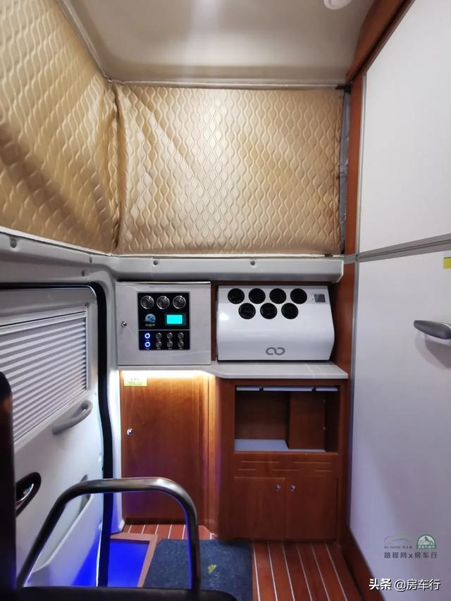 可下地库的四驱越野皮卡房车,可折叠的独立卫生间,牛了-24.jpg