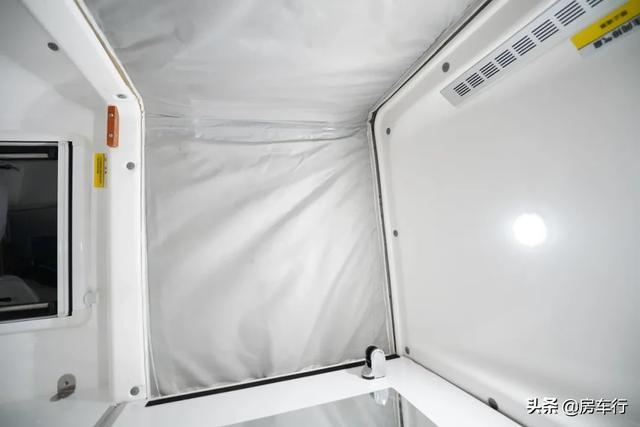 可下地库的四驱越野皮卡房车,可折叠的独立卫生间,牛了-23.jpg