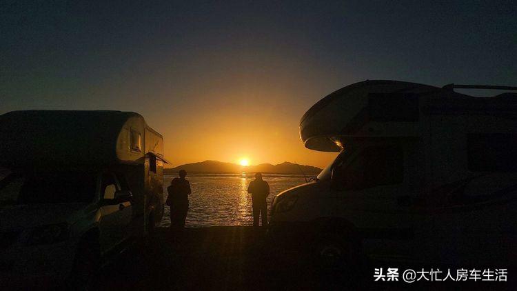 房车露营大柴旦翡翠湖,观光车大门准备好了免费的时间应该不长了-78.jpg