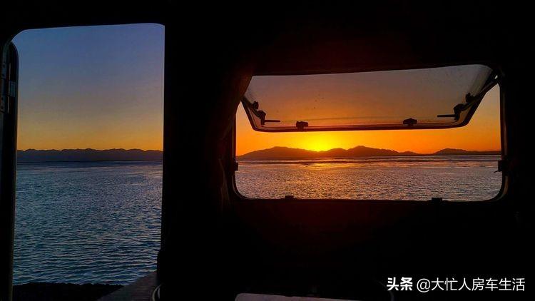 房车露营大柴旦翡翠湖,观光车大门准备好了免费的时间应该不长了-82.jpg