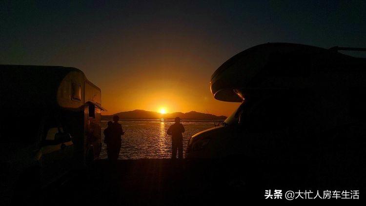 房车露营大柴旦翡翠湖,观光车大门准备好了免费的时间应该不长了-81.jpg