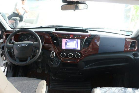 新款宇通C533双拓展房车,大空间合理布局,车机手机互联