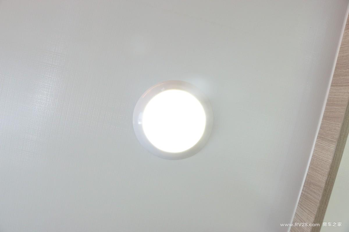 飞神9012感恩款拖挂房车内部图片