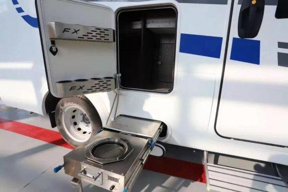 2020款飞翔依维柯T型房车,三张床位,搭配独立研发柴油灶