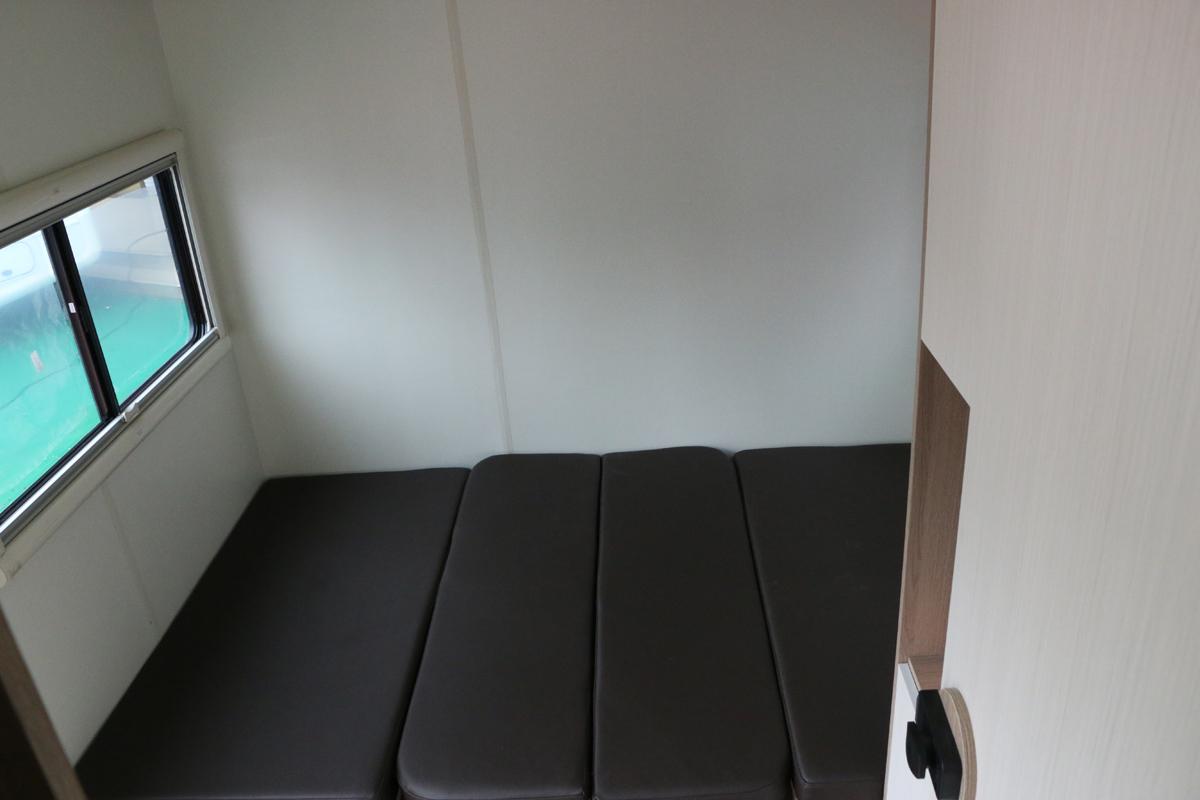 德兴美式小型拖挂房车内部图片