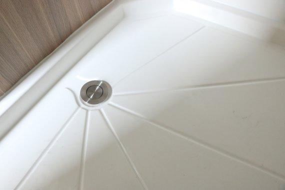德兴美式小型拖挂房车卫浴间图片
