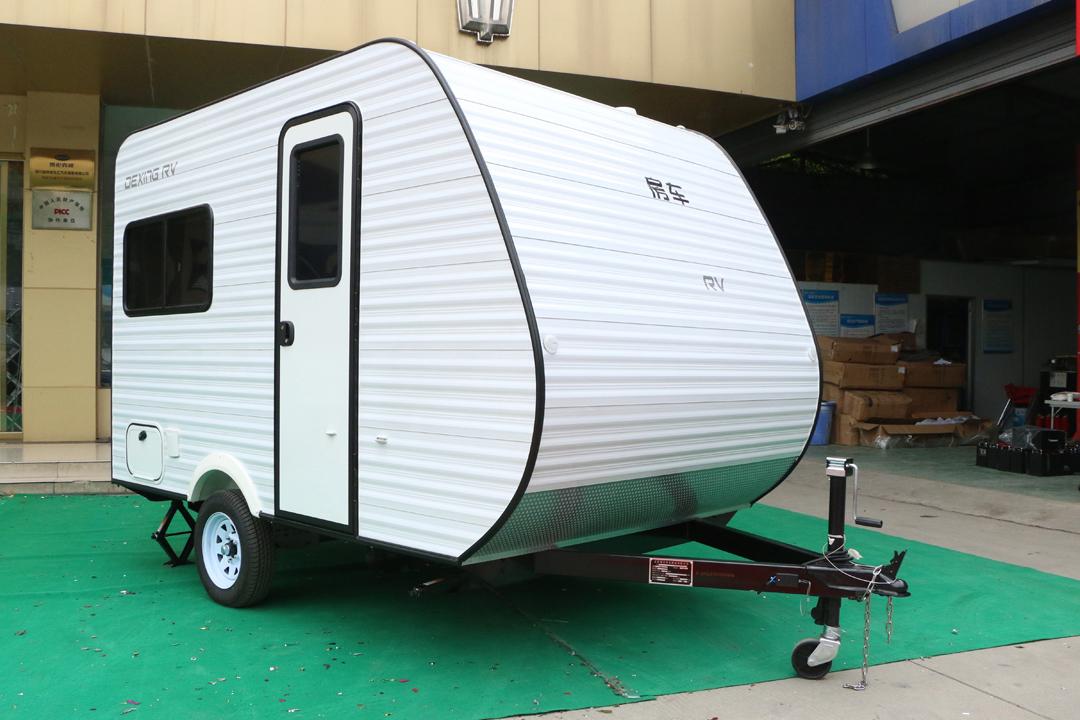 德兴美式小型拖挂房车外观图片