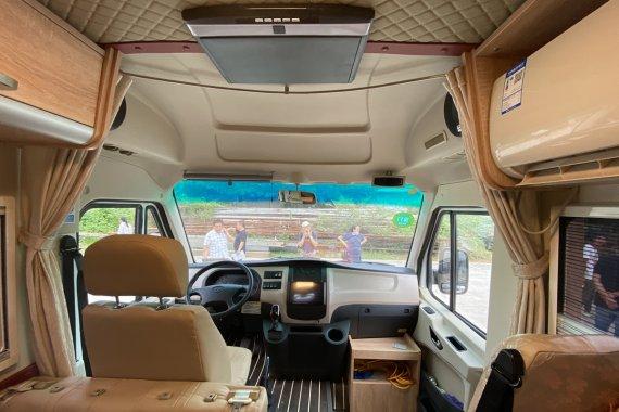 最新款五菱房车横床版,上下床加沙发床,后驱蓝牌C本驾驶