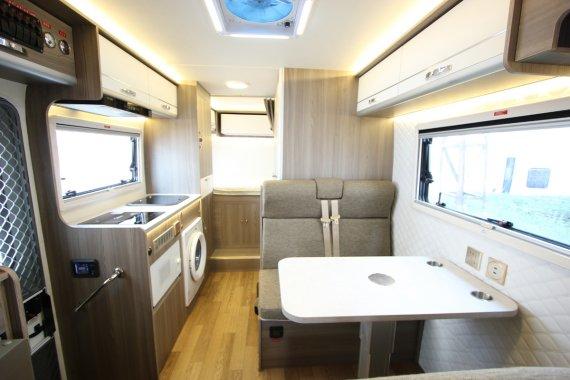 新飞H300轻卡房车内部图片