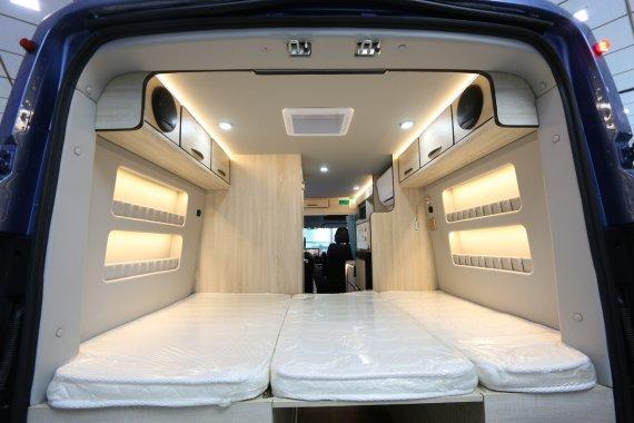真正的后置厨房!会客区与休息区相结合的B型房车!空间真的大了 ...