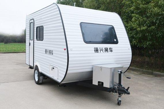 德兴370B美式拖挂房车外观图片