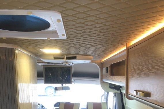 宏运旅途L12B型房车内部图片