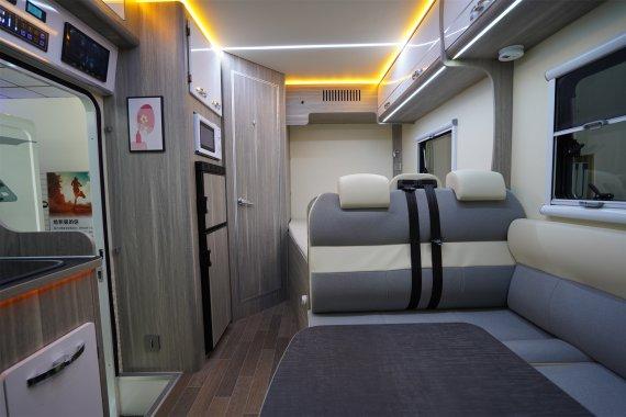 爱旅途V90C型房车内部图片