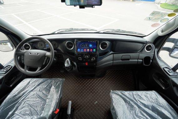 凤凰上途C1舒适版房车驾驶室图片